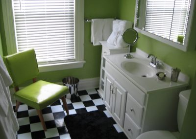 bathroom at Rutgers House loft